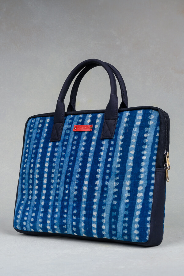 AMAR-KOSA-Accessories-Work-Bags-Indigo-Stripes-Macbook-Laptop-Sleeve-Block-Print-Made-In-India