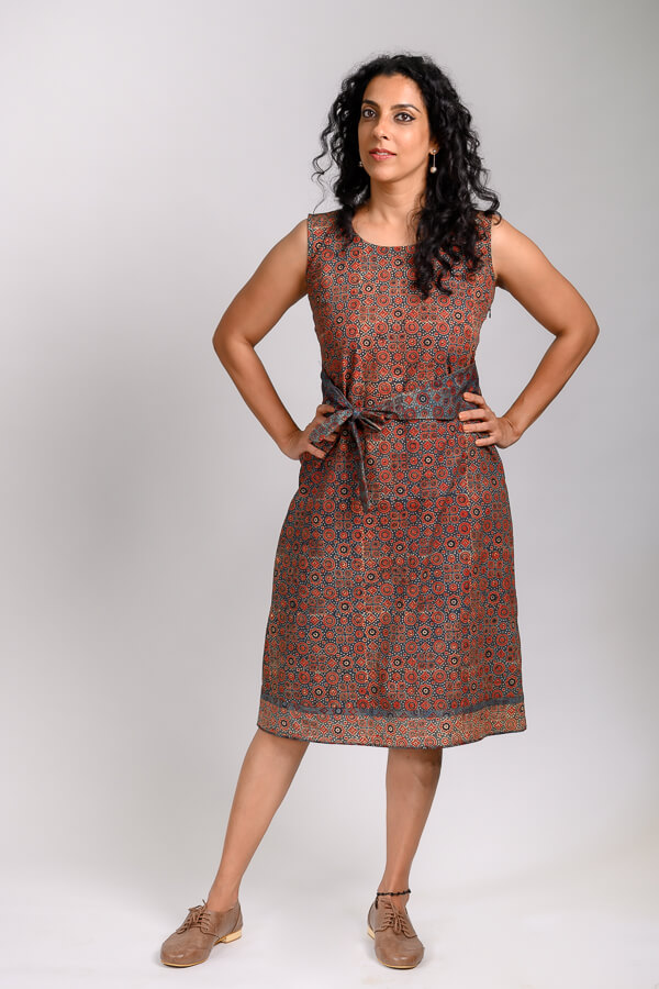 AMAR-KOSA-Ajrak-Dress-with-Sash-Handblock-Printed-Mercerised-Cotton