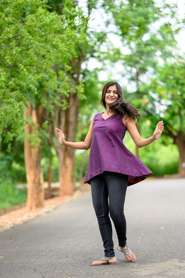AMAR-KOSA-Bias-Top-sleeveless-aubergine-cotton-chambrey