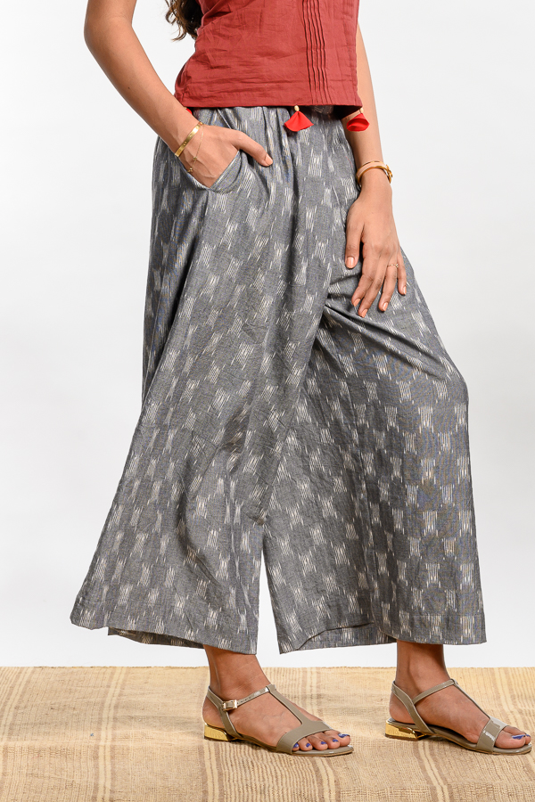 AMAR-KOSA-Sustainable-Clothing-Fashion-Brand-Bangalore-India-Handloom-Dresses-Handmade-Red-Shirt-Relaxed-Culottes-Ikat-Collection-1a